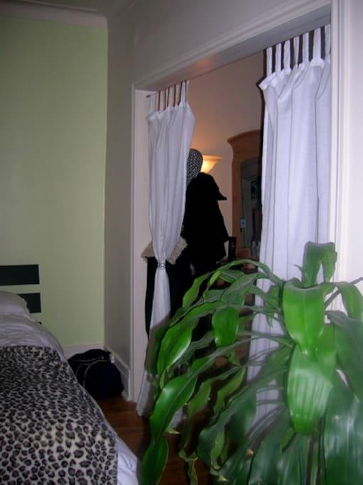 4 1 2 meubl tout inclus avec cours apartments for rent for Don de meuble montreal