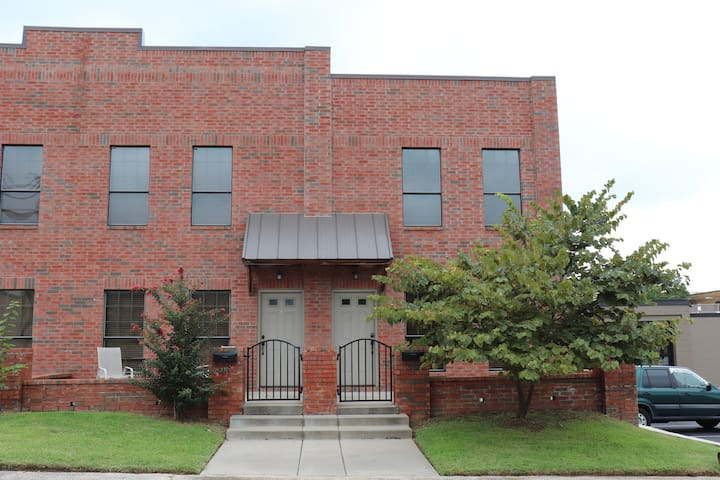 Townhome - Heart of downtown Sapulpa and HWY 66