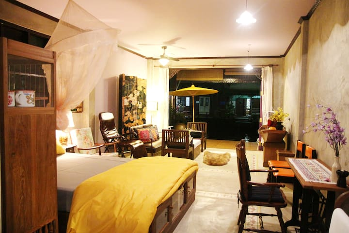 BangLuang House1 @ Bangkok Thailand