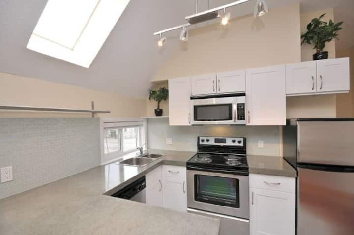 Renovated Suite in Rockland Area #7