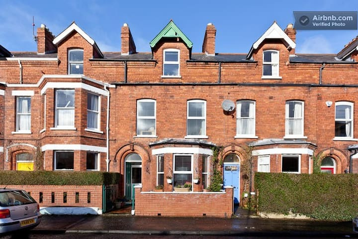 Great Triple Room on the Ormeau Rd