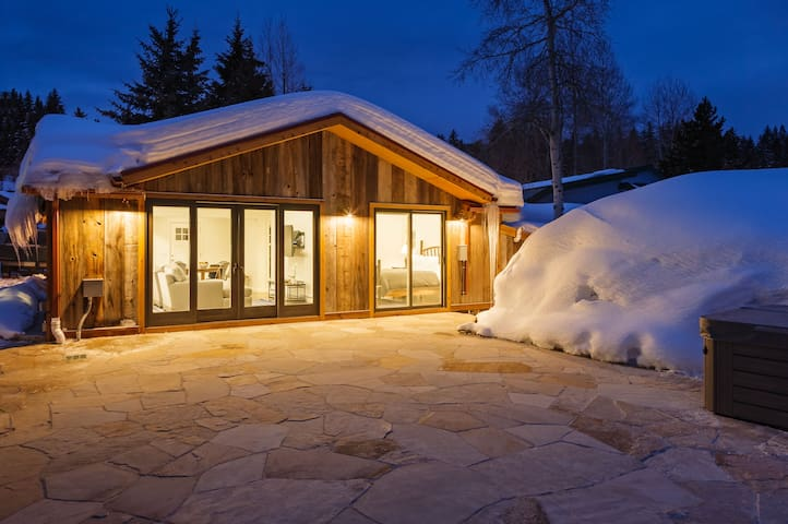 Minturn River Cabin with Hot Tub. 2 bedroom 1 bath - Minturn - 獨棟