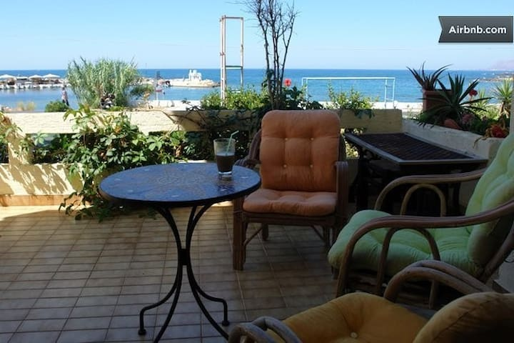 Sea View Artistic House in Crete - Galatas - Ev