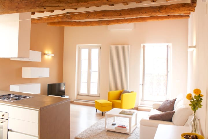 Modern Lucca Apartment with Terrace - Lucca - Lägenhet