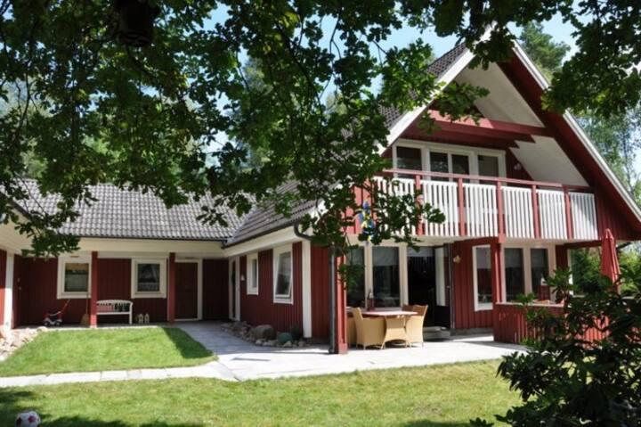Villa Grönö in Smaland near lake