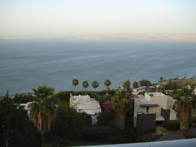 apartment ovelooking the Sea of Gal - Tiberias - Apartemen