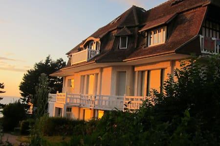 COSY APPARTEMENT SEA VIEW DEAUVILLE - Benerville-sur-Mer