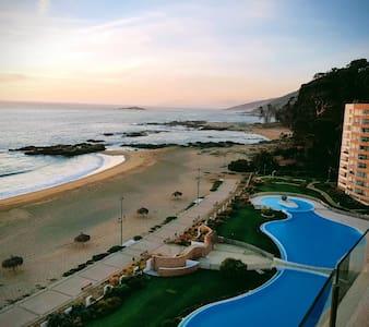 Papudo ( Costa Puyai)  luxury on front beach