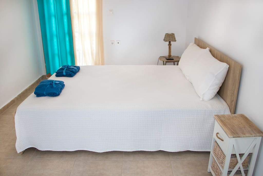 Spacious room with a double bed(room 2)