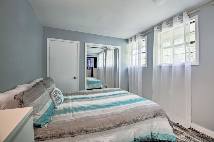 Queen bedroom #2