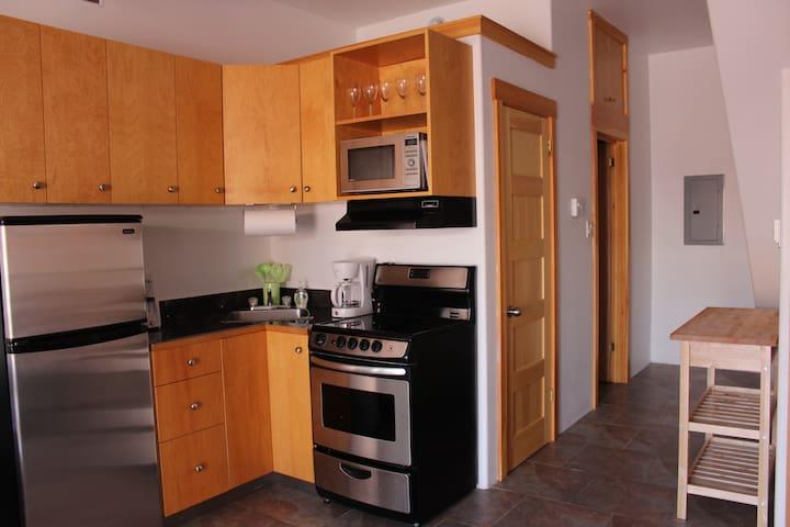 """Glube's Lofts """"202"""", 1 bedroom unit over 2 floors"""