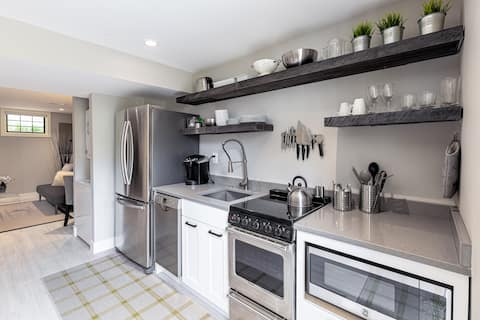Renovated Apartment close to American University