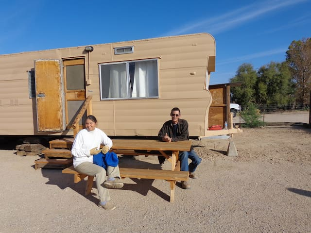 Desert Travel Trailer Hideaway - Hinkley - Bobil