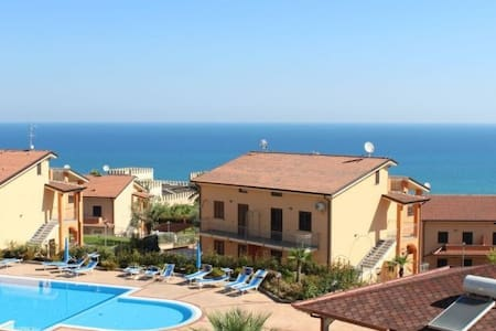 gorgeous 2 levels seaview apartment - Mandatoriccio - Leilighet