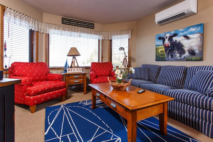 Waterview condo located at The Landmark Resort!