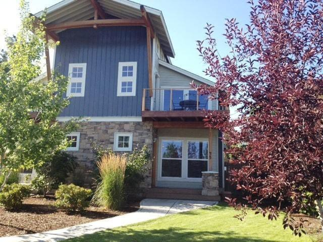Salmon Lodge Luxury 3BR Bend OR Old Mill District