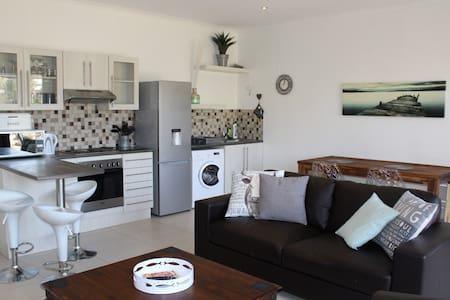 Luxery Self Catering Windhoek Unit 1 - Windhoek - Apartamento