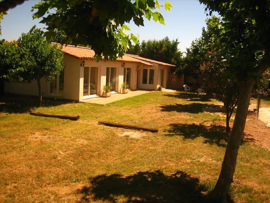 Les platanes aix les milles houses for rent in aix en provence provence alpes c te d 39 azur france - Castorama aix les milles ...