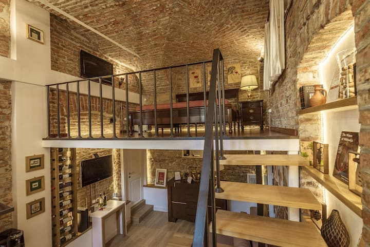 ★ Vinodorum ★ Wine Mood & Loft in Old City