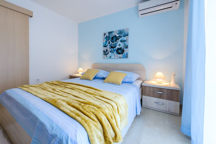 Blue pearl- studio apartment ,close to the beach
