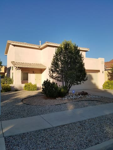 Beautiful 2 story house with 4 bedrooms!