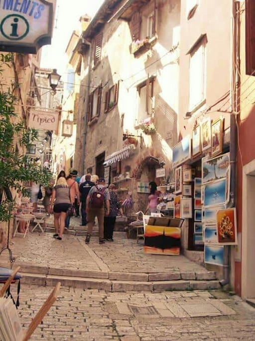 Famous art sreet Grisia in the centre of Rovinj and our house on the right where will you stay...