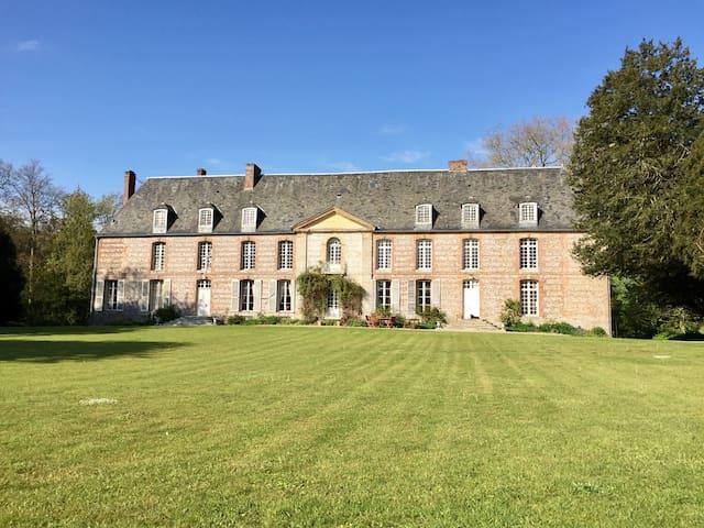 Chambres d'hotes dans un château Romantique luxe