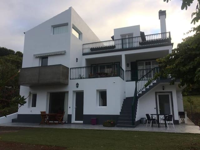 Caloura spa house, Wonderful sea view