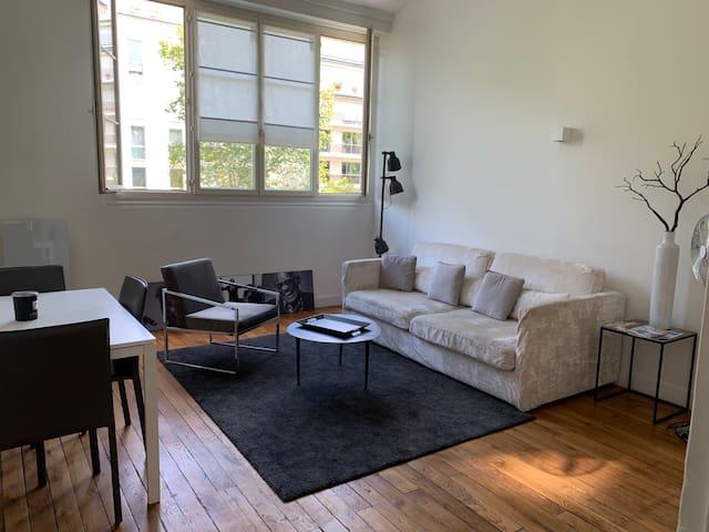 Appartement 2 pièces 41 m2. Invalides/Tour Eiffel