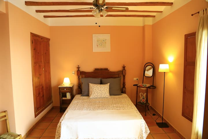Habitacion OLIVO, doble con baño y terraza. - Murla - Bed & Breakfast