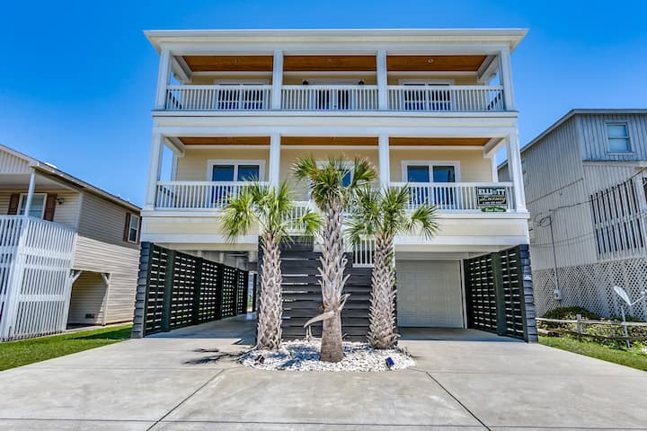 Beach Please - Channel home 2.5 blocks from beach!