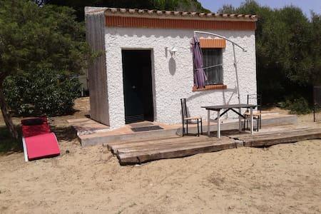 Cabaña en una Finca de caballos cerca de la playa - Zahora