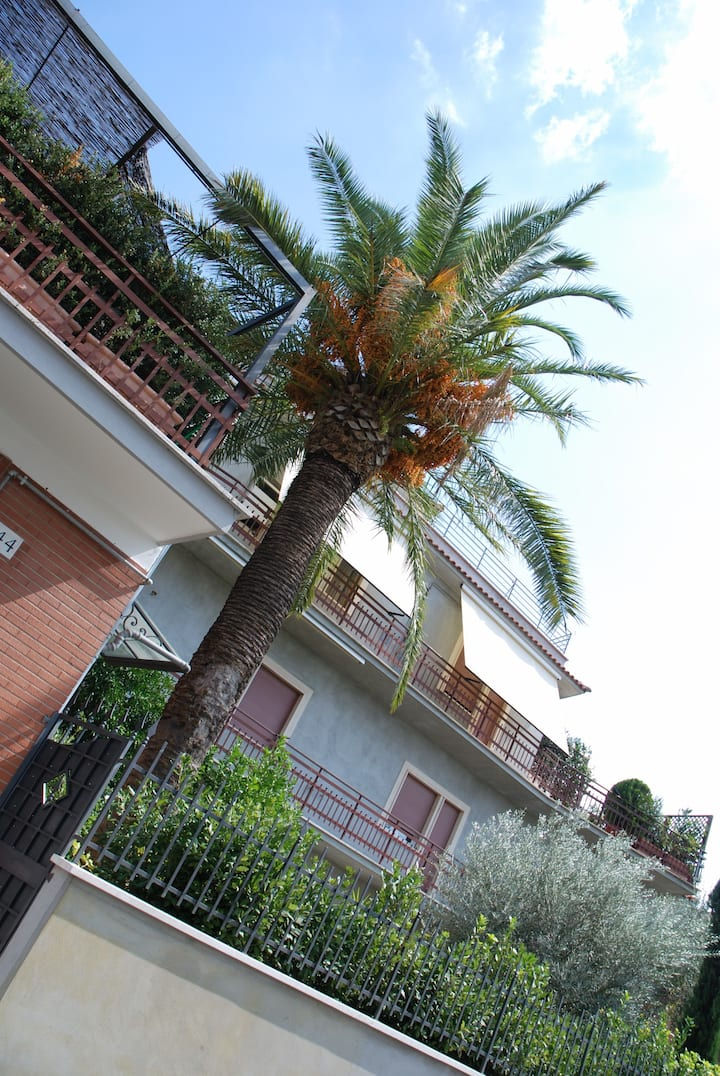 EPY HOUSE-FLAT ROME with garden view