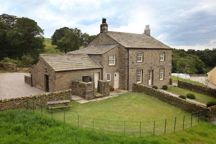 Yellison Farm House - Escape to the Dales