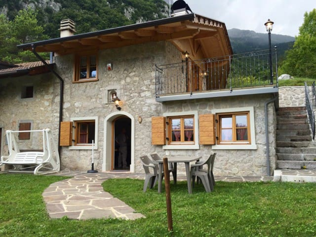 Chalet immerso nella natura tra Dolomiti e lago - San Lorenzo in banale - Cabaña