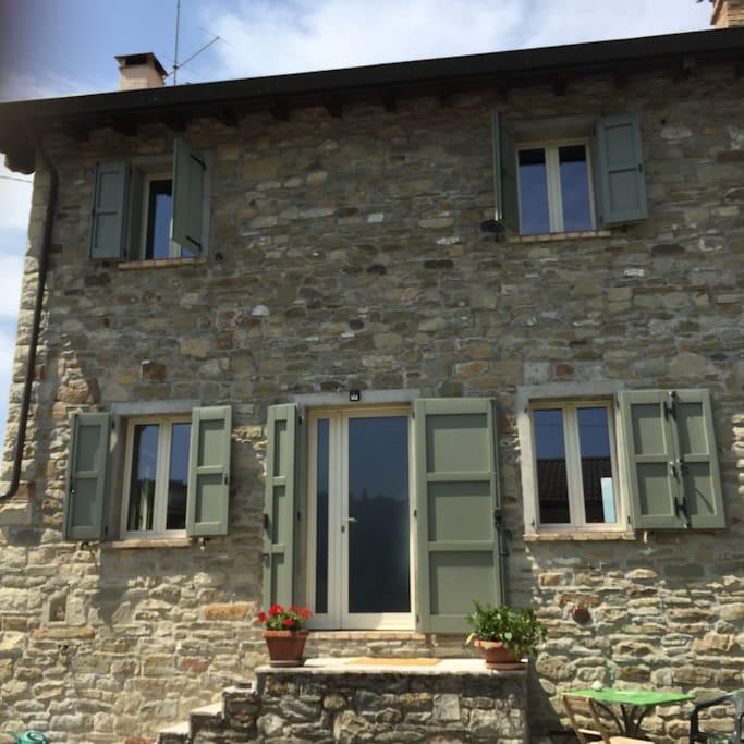 Rifugio la mucca houses for rent in riva di cavola for Piani casa cottage acadian