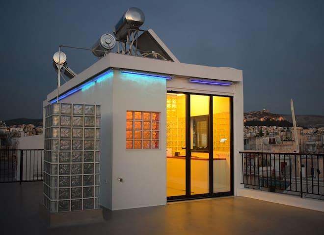 Designer Penthouse. Large Terrace. 360 Views.
