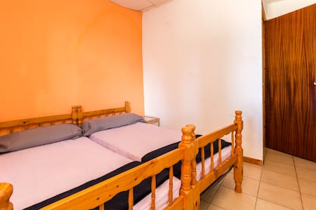 Alberg La Solana - 11 - Double Room With Two Single Beds (2 Guests) - Salàs de Pallars - Appartamento