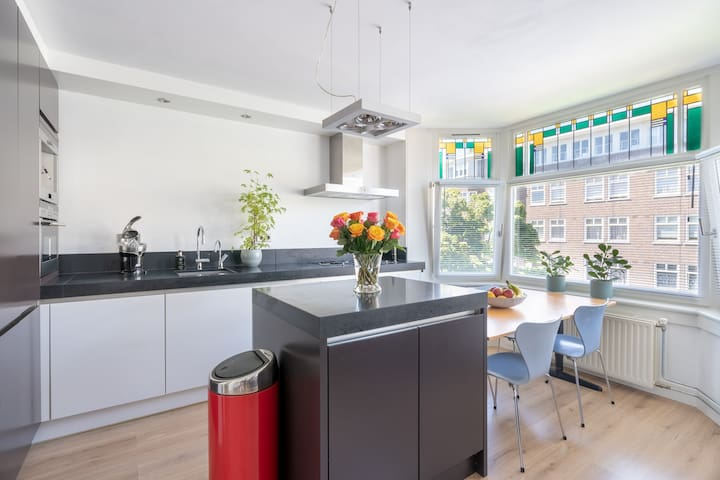 Luxurious Amsterdam apartment near centre and RAI