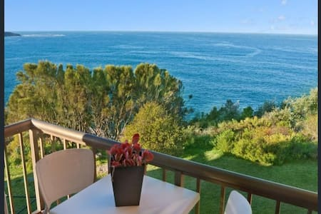 Stunning ocean views, convenient location - Dee Why - Appartement