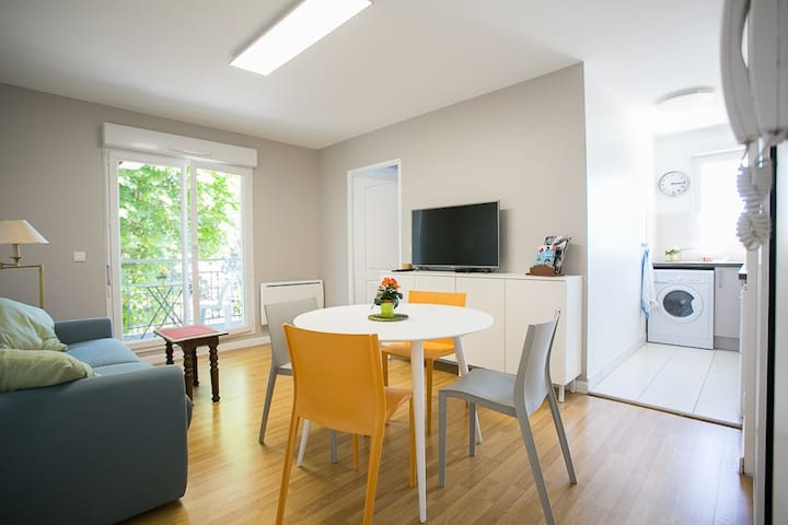 A beautiful bright apartement + parking space