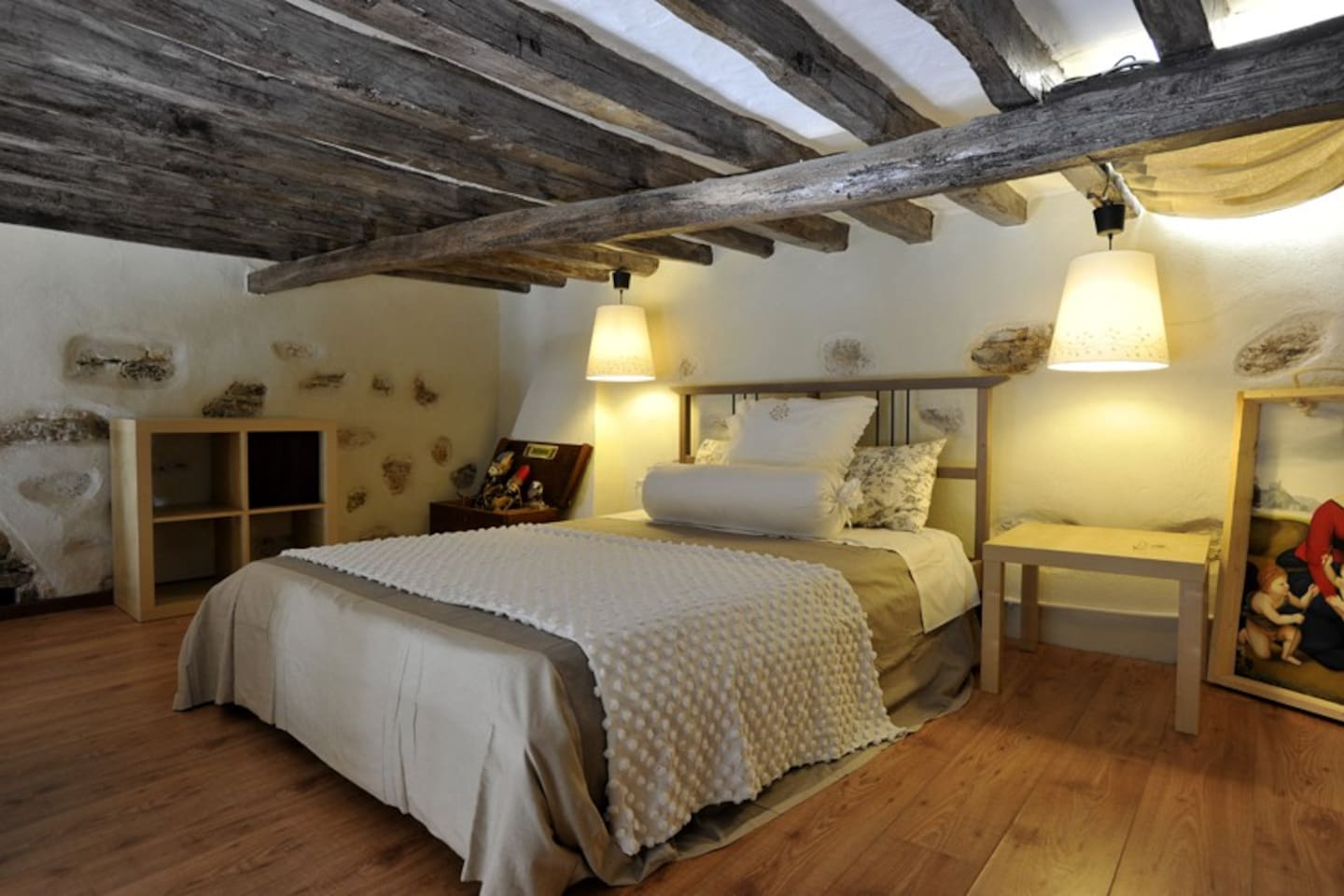 The comfortable bedroom in the mezzanine with wonderful design!