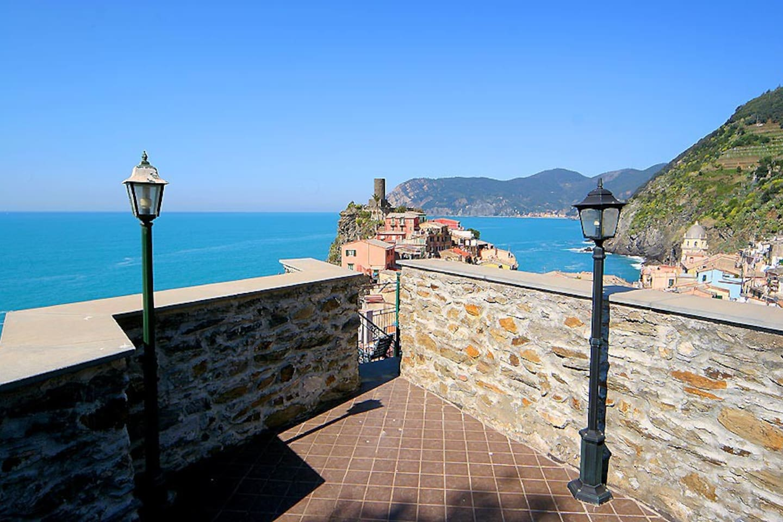 Appartamento vista mare foto dalla terrazza privata