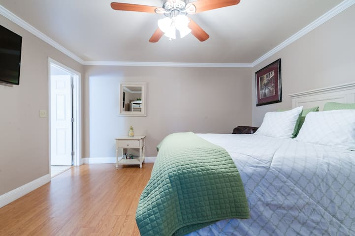 NEW!   Downtown San jose Ca, with private entrance
