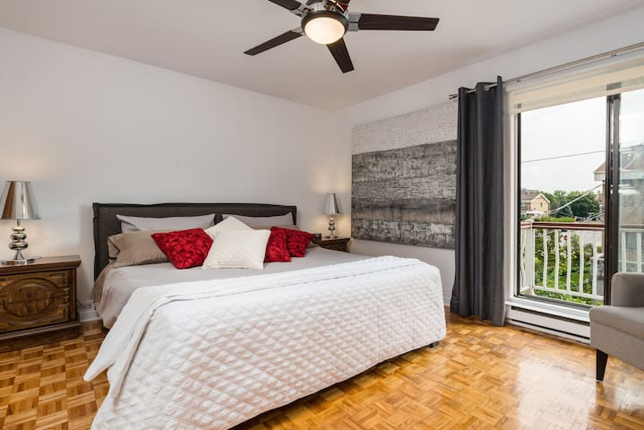 1- LOVELY FURNISHED SUNNY &COZY 2 BR! FREE PARKING