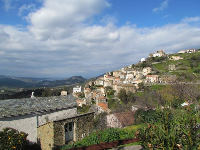 Villa lumineuse avec vue imprenable - Furiani - Villa