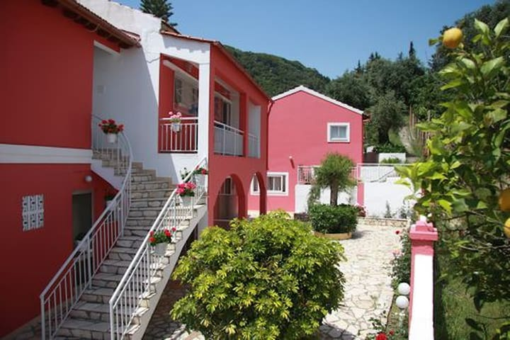 Skevoulis ground-floor No1 Benitses - Corfu - Apartamento