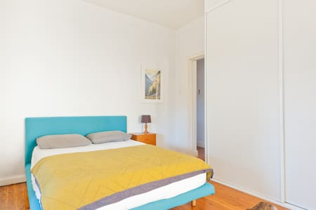 Huge room between Bondi & CBD