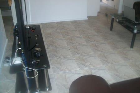 accomodation avalable  - Johannesburg - Haus