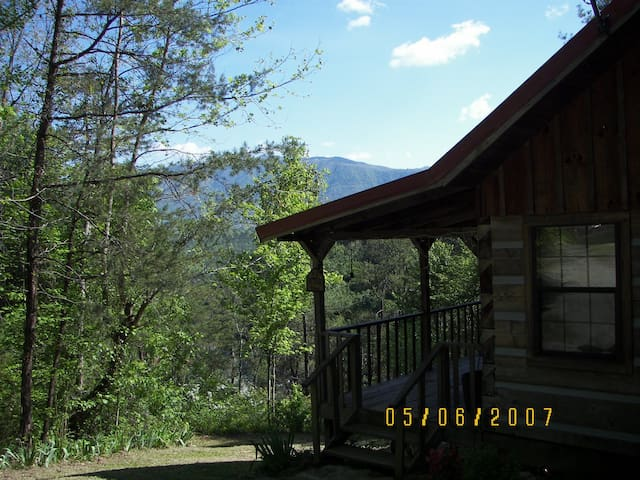 Real Log Cabin in the Smokies - Townsend - Cabana
